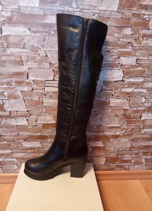 Немецкий бренд,новые!зимние,шикарные,кожаные ботфорты,ботфорды,сапоги на широком каблуке