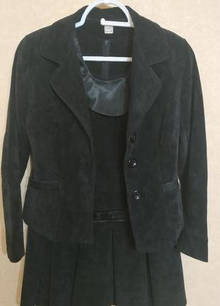 Черный сарафан с пиджаком,146-152,9-11 лет