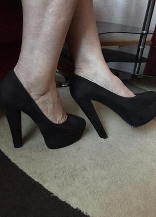 Продам нові туфельки