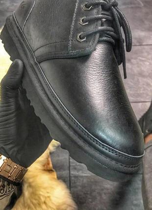 Ugg man classic short black.