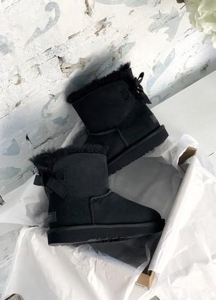 Ugg bailey bow mini black 😍