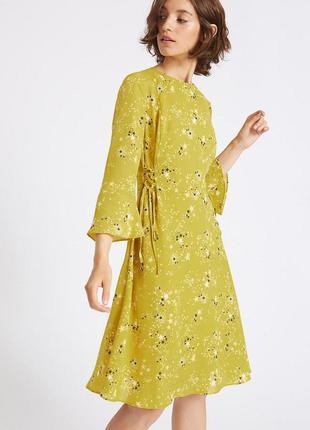 M&s limited невероятно красивое платье с расклешенным рукавом, р.14, наш 48-й
