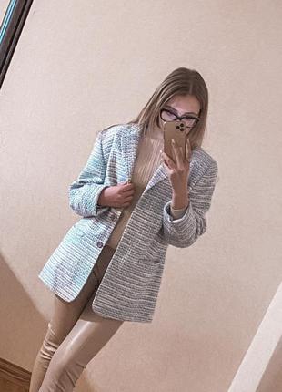 Светло -голубой пиджак 💦