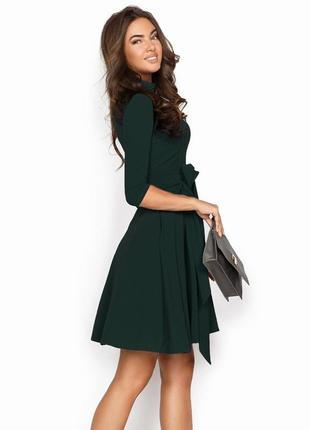 Платье расклешенное изумрудного цвета