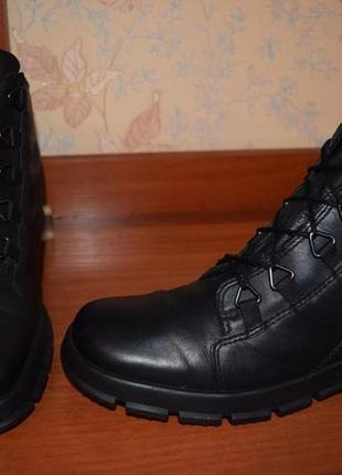 Стильные кожаные ботинки ecco gore-tex