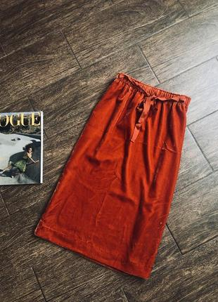 Бархатная юбка стильного цвета