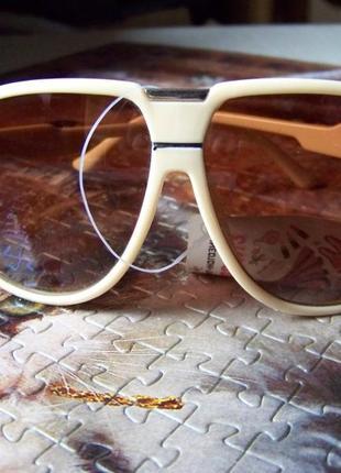 Распродажа солнцезащитные бежевые очки авиаторы с дымчатыми коричневыми линзами4 фото