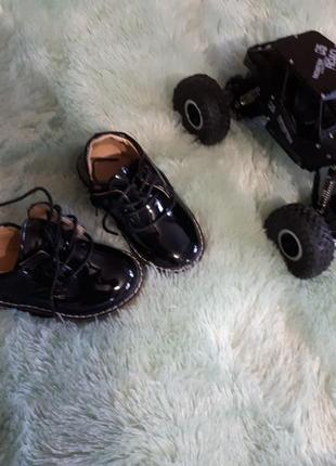 Очень классные туфельки на мальчика