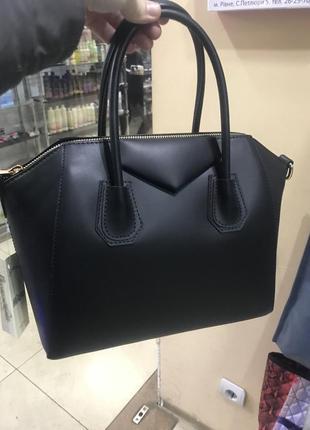 Кожаная сумка сумка кожаная givenchy