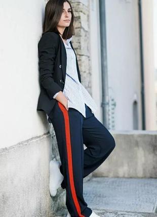 Стильные брюки с лампасами h&m