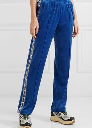 Мега трендовые велюровые спортивные штаны с лампасами надписями opening ceremony сша