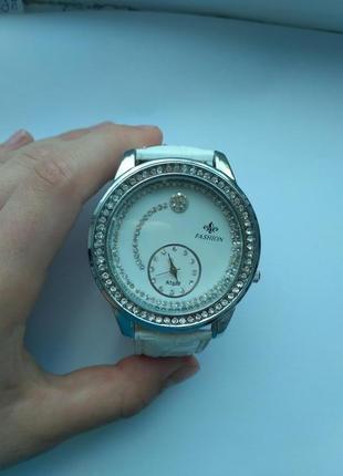 Годинник, бренд nev fashion.