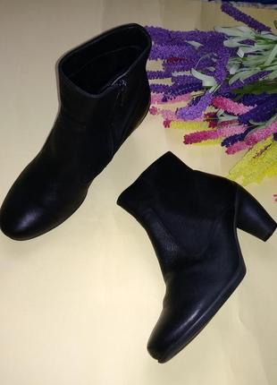 Ботильоны ботинки ecco кожа резиновый необычный каблук 38