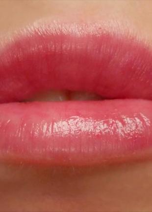 Восстанавливающий оттеночный бальзам для губ fresh с spf 15, придаёт губам объём