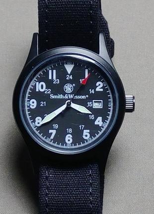 Часы мужские фирмы smith and wesson оригинал часы комплект дополнительные ремешки