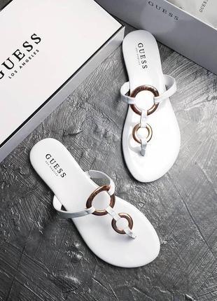 Guess оригинал белые сандалии с металл декором