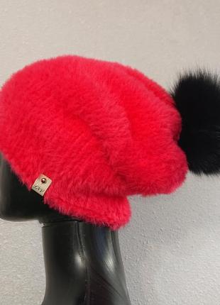 Яркая розовая шапка эко мех с бубоном