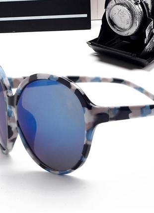 Распродажа круглые очки от солнца с сине-белой оправой и зеркальной синей линзой