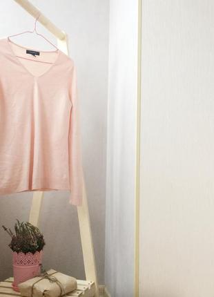 Нежно розовый свитерок