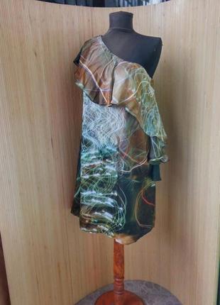 Платье натуральный шелк с баской на одно плечо