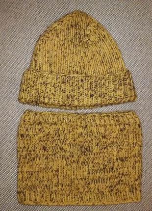 Набор шапка, шарф-хомут.