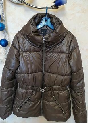 Классная ,легкая куртка синтепон .