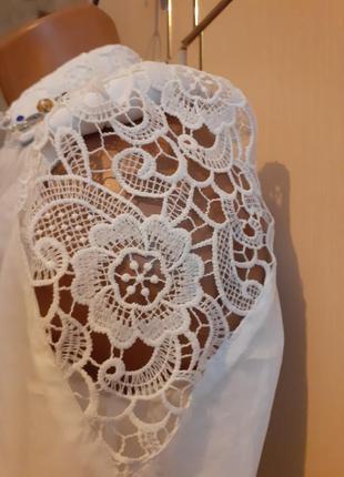 Рубашка с ажурными рукавами