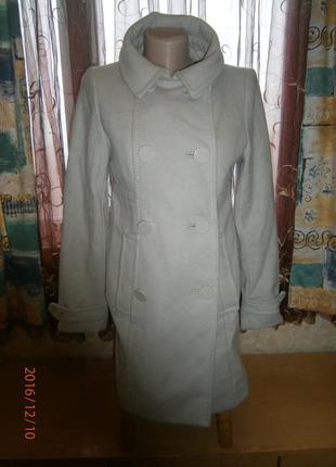 Оригинальное светлое универсальное пальто