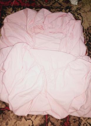 Простынь на резинке на детскую кроватку