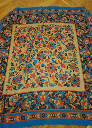 Большой  кашемировый  платок yves saint laurent италия . оригинал