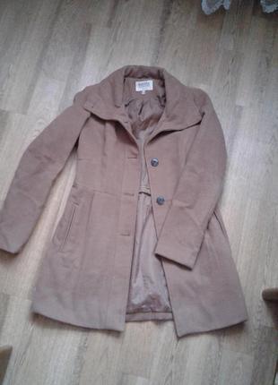 Демисезонное пальто bershka