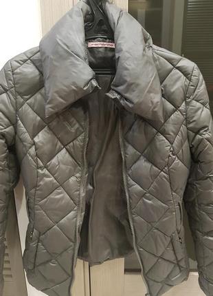 Стильная и теплая куртка на зиму fornarina
