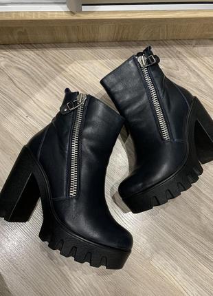 Кожаные стильные ботильены на удобном каблуке демисезон
