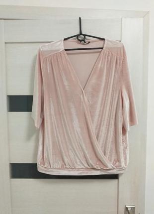 Бархатная блузка пудрового цвета