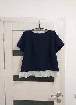 Стильная блузка с воланом