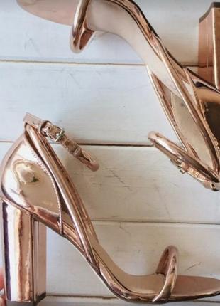 Стильные босоножки розовое золото asos