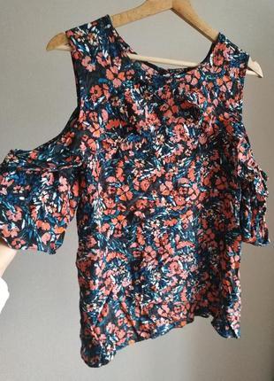 Цветочная блуза с открытыми плечами с воланом f&f