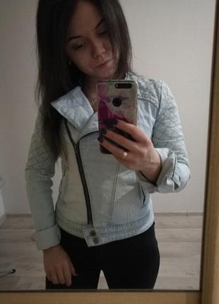 Джинсовая куртка для девушки косуха стёганая xs-s