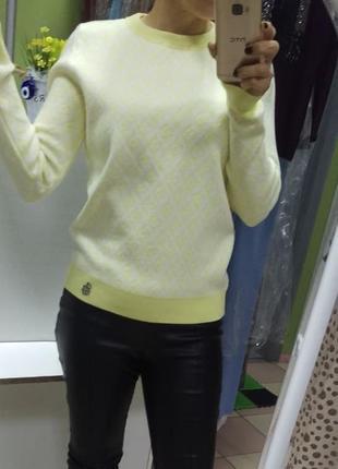 Нежный теплый плотный свитерок элит-класса наш 42 размер