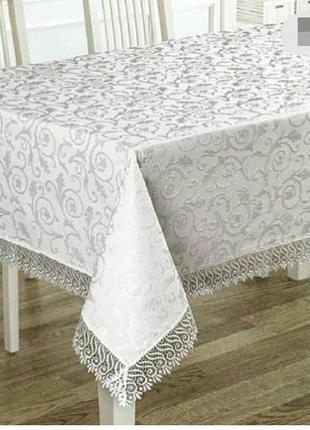 Красивая белая скатерть с кружевом 160*220 см. в наличии расцветки