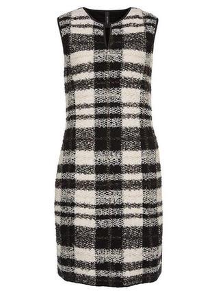 Стильное шерстяное платье marccain