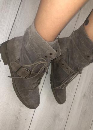 Крутые ботинки , натуральный замш bershka