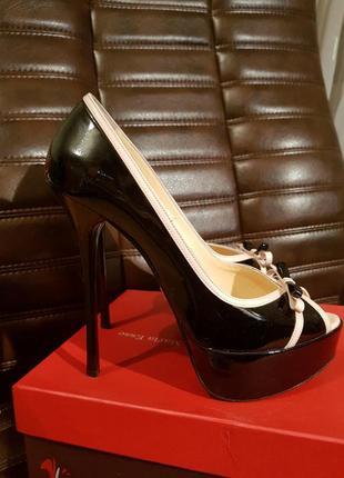 Туфли с открытым носком maria esse 39р.