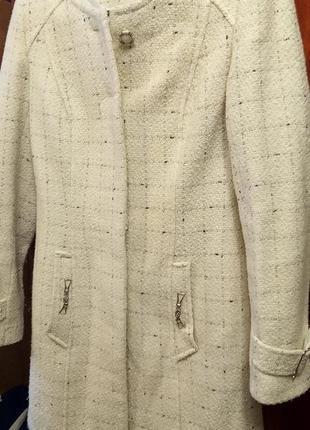 Пальто майже нове одягалось пару раз. стан нового