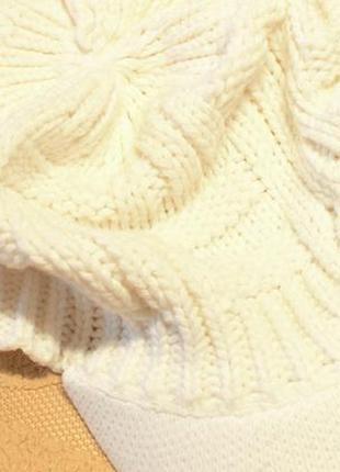 Зимняя вязаная кепочка. очень стильная.