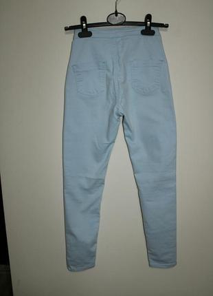 Стильные голубые штаны на лето с высокой посадкой