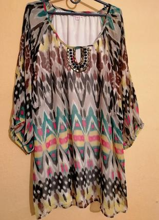 Красивая блуза туника