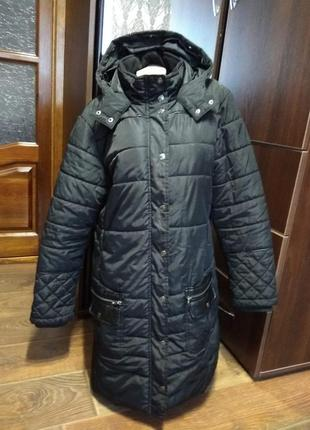 Супертеплая длинная фирменная куртка с капюшоном . 52-54 размер.
