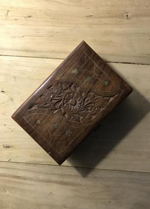Шкатулка деревянная 10 на 15 см, дёшево. резьба