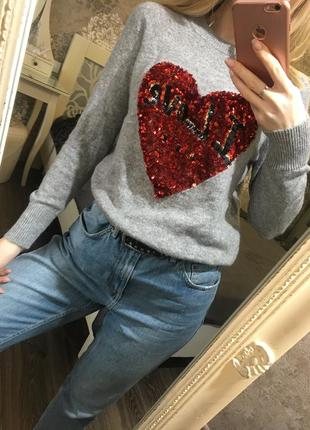 Тёплый свитер в пайетки